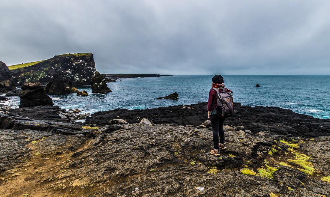 Les falaises abruptes de Reykjanesviti