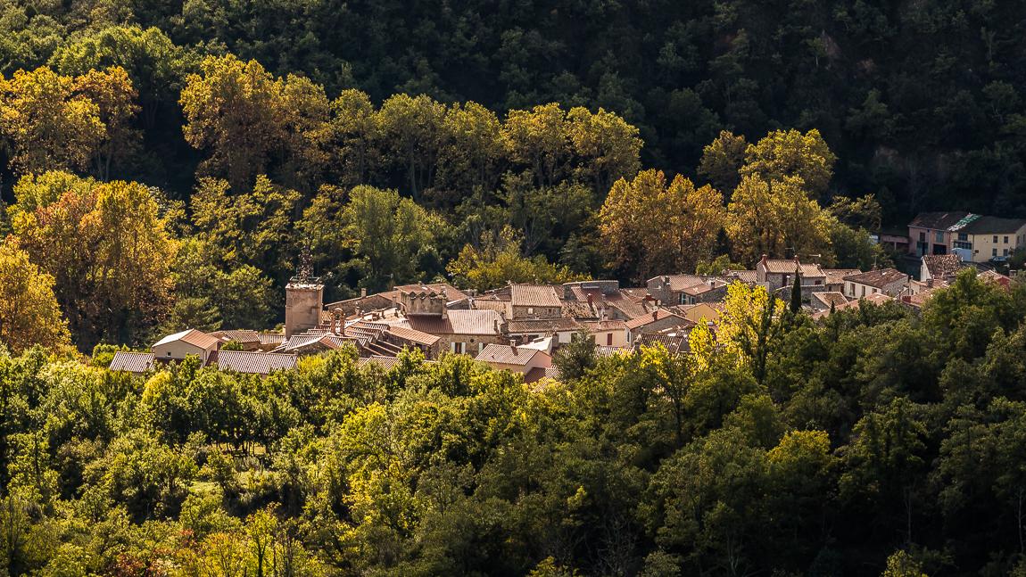 Le village de Catllar dans son écrin de nature.