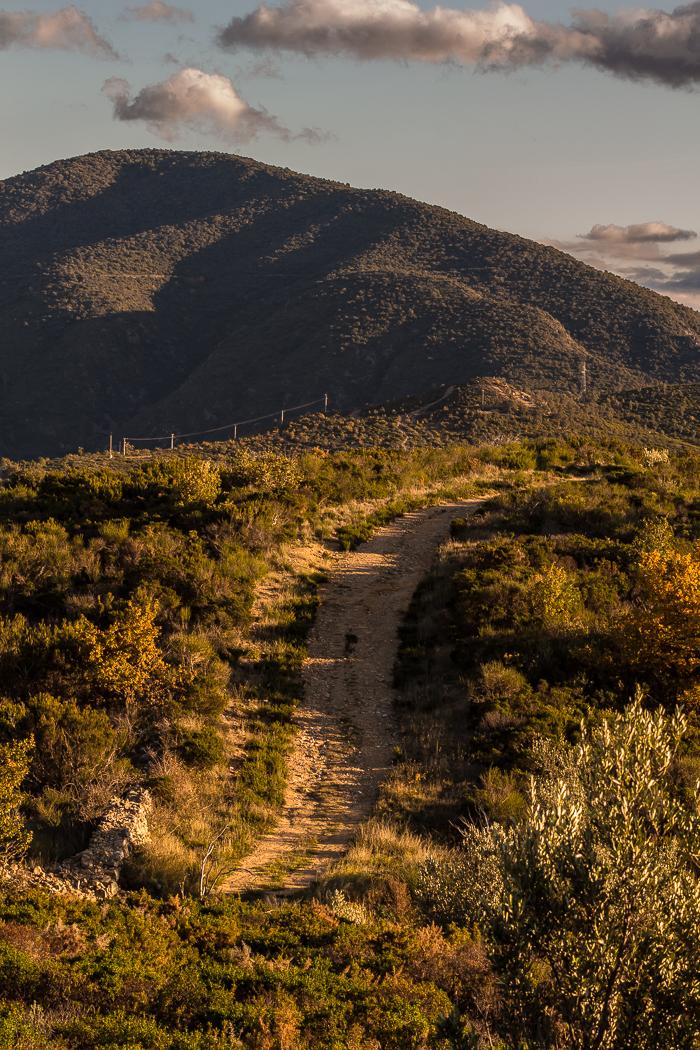 sentier de randonné à Rodès dans les Pyrénées Orientales