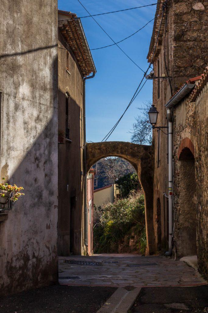Porte romane Ansignan