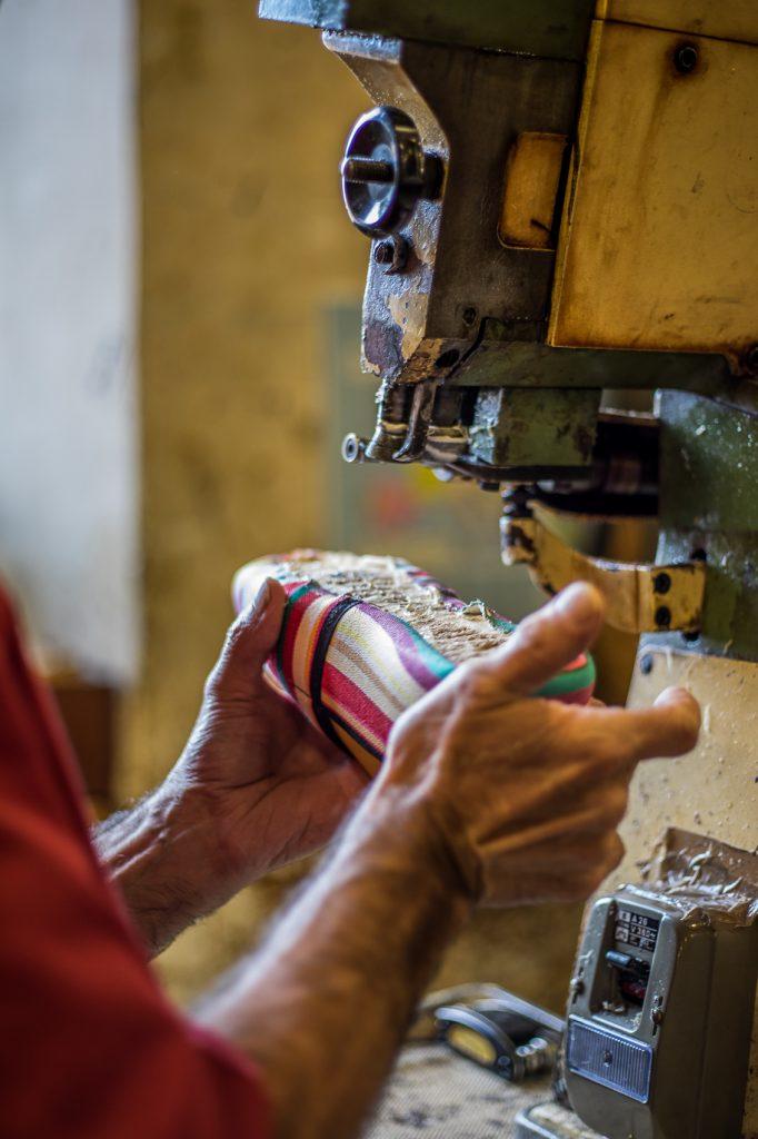 Fabrication d'espadrille catalane à Saint Laurent de Cerdans
