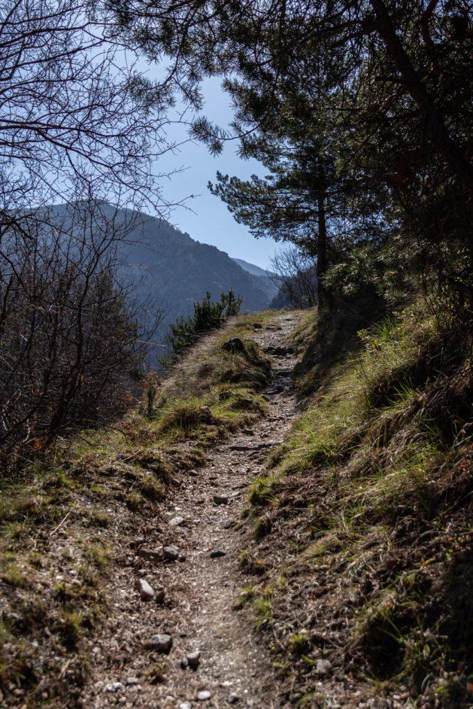 Sentier de randonnée depuis Nyer