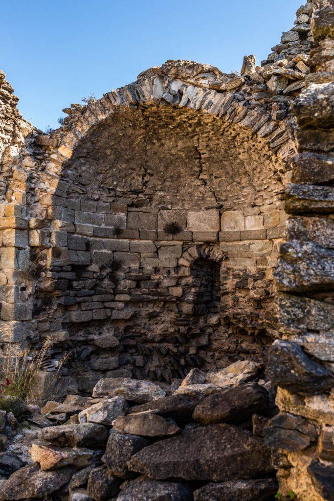 Vestiges de l'Église Saint Feliu de Ropidera à Rodès